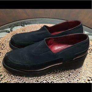 Donald J. Pliner Size 6.5 Black Chele Slip on Shoe